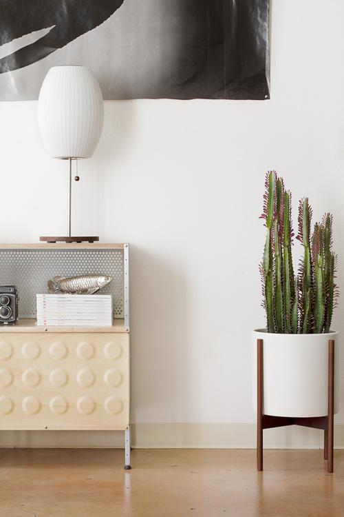 Modernica-CaseStudy-Planter-Nelson-Bubble-Lamp_zwbr-8k