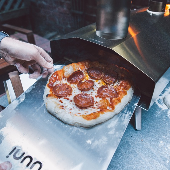 NYEBbDNczR_uuni_2s_pizza_oven_w_cover_9_original (1)