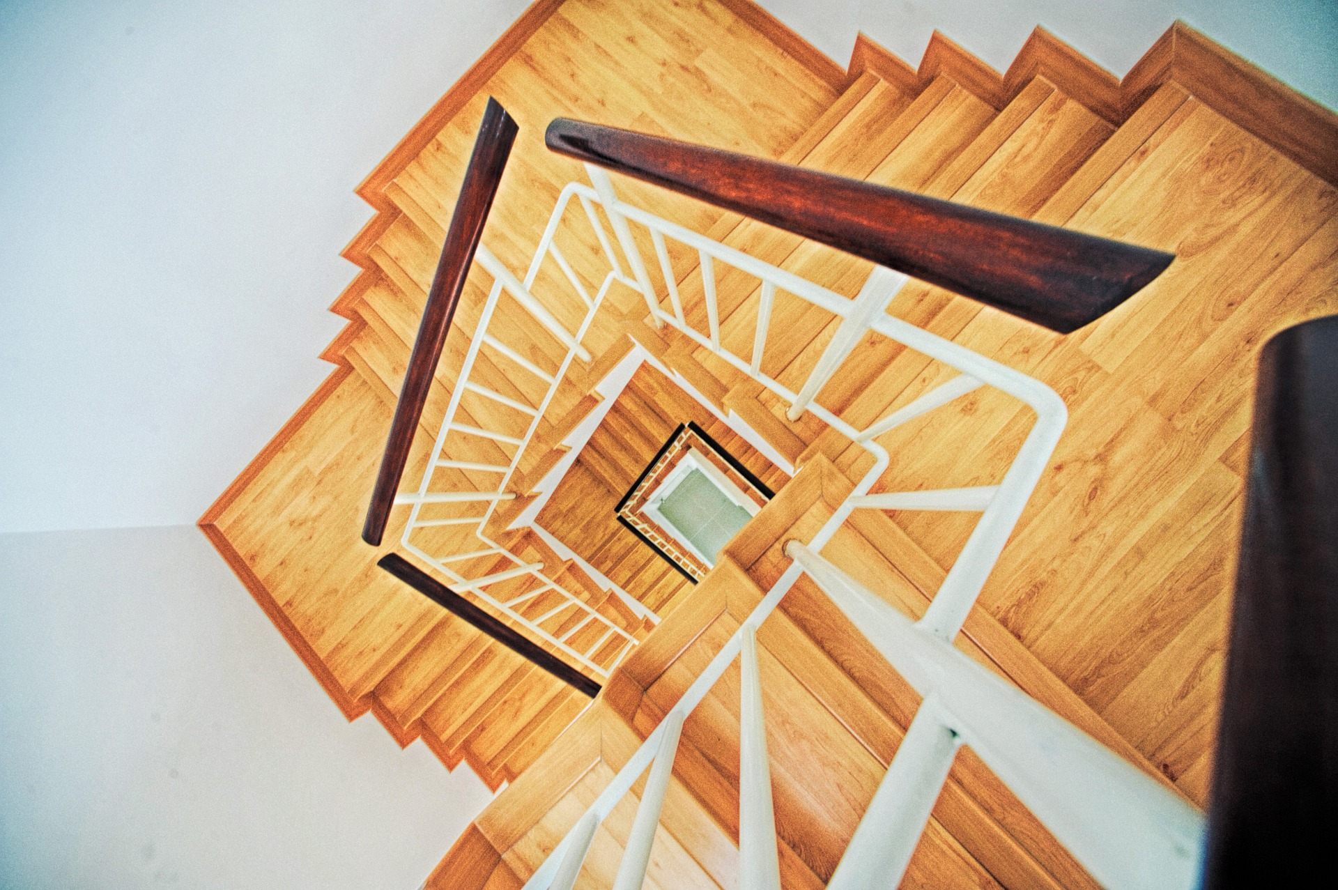 stairs-863348_1920