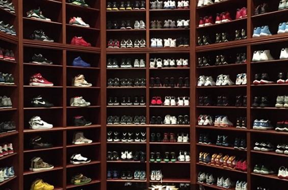 sneaker room